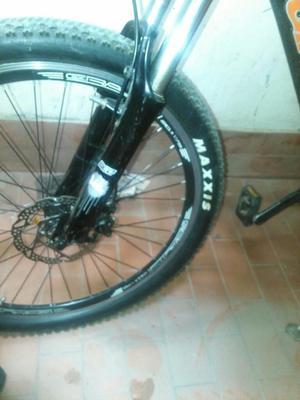 Vendo Bicicleta en Aluminio Rin 26