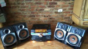 Equipo de sonido SONY GENEZI FSTZUX9
