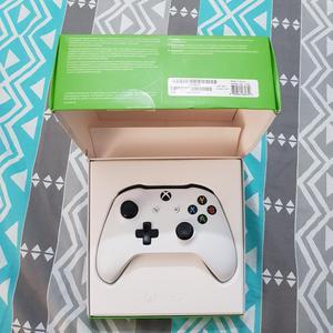 Control Xbox One S con Bateria Recargabl