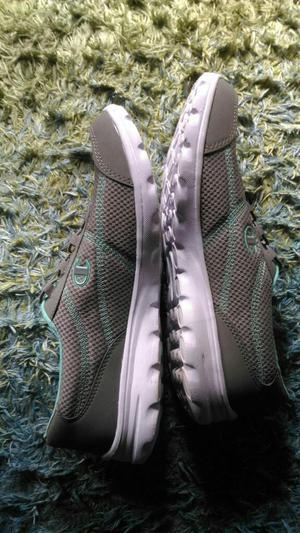 Zapato Deportivo T 39