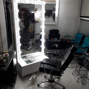 Venta de muebles para peluqueria medell n posot class for Sillas de peluqueria