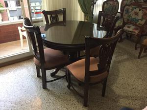 Comedor y bifet colonial mesa redonda 4 puestos posot class for Comedor 4 puestos vidrio