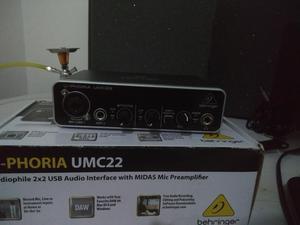 Interfaz Behringer Umc22