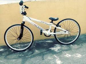 VENDO BICICLETA GW JUNIOR EN ALUMINIO PARA BMX