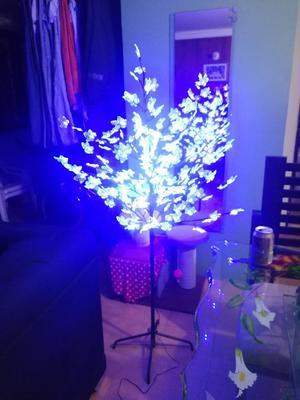 Vendo Arbol con Luces Led de Navidad M.