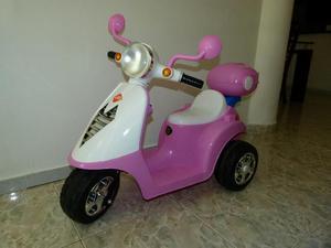 Vendo Hermosa Moto Batería para Niña