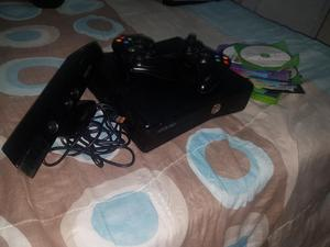 Xbox 360 con Kinect Dos Mandos