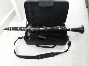 Clarinete semi nuevo  CEll  Barranquilla