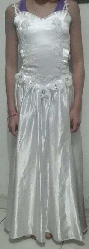 Vendo vestidos para primera comunión para niña