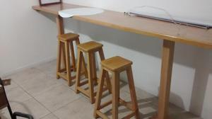 Barra en madera para negocio o casa y 4 butacos