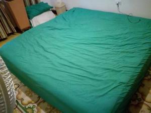 Vendo Cama King Size 2x2 con colchón y somier Marca Paraiso