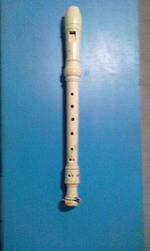★ Flauta Dulce marca YAMAHA es de segunda en buen estado