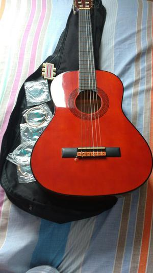 Guitarra en Buen Estado