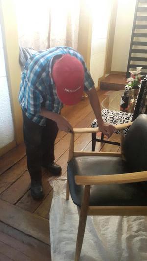 Se Ofrese Señor para Restaurar Todo Tipo de Muebles