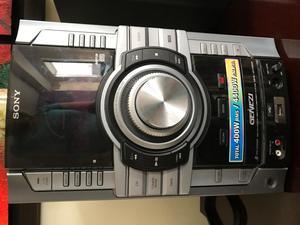 Equipo de Sonido Sony Genezi modelo MHCGT222