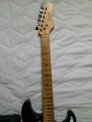 Vendo Guitarra Electrica Texas con Ampli