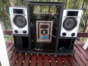 Vendo Equipo de Sonido, Marca Sony con Mueble