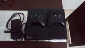 VENDO HERMOSA XBOX ONE DE 500GB CON 2 CONTROLES Y BLACK OPS