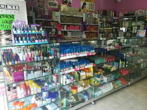 Se Vende Negocio de Cosmeticos Local Cen - Lebrija