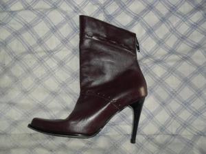 Botas color morado en cuero talla 36 para pie de 21cm