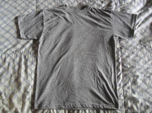 Camiseta gris unicolor cuello redondo talla m y s