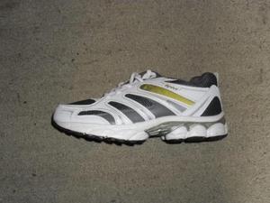 Tenis color blanco s talla  supercomodos, zapatos