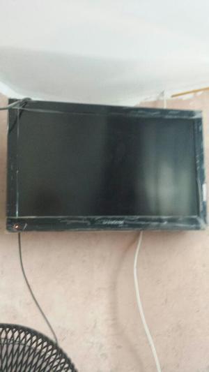Vendo Tv Lcd de 32 Mas Chomecast 450neg