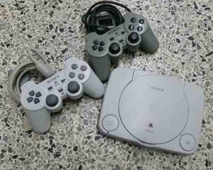 Playstation Uno. Dos Controles Y 10 Cds De Juegos.