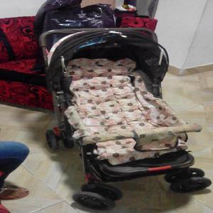 vendo coche de bebe para niña ganga en buen estado -