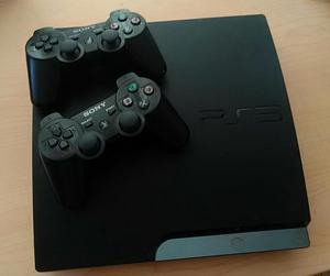 PlayStation 3 en perfecto estado 2 controles 12 juegos