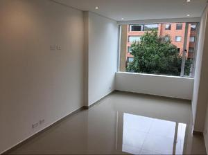 Oficina de 70 M2 sobre Av Villas - Bogotá