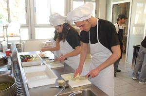 Se necesita Auxiliar De Cocina Oficios Varios Urgente - Cali