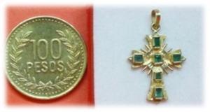 Dije Cruz Mini, Con Seis Esmeraldas En Oro 18k