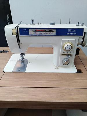 Maquina de coser brotherremate posot class for Maquinas de coser zaragoza