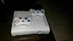 Vendo Xbox 360 con 2 Controles Full