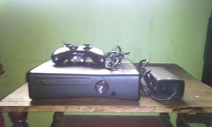 Vendo Xbox 360 con Un Control Y 5 Juegos