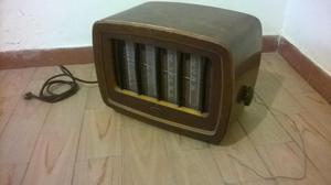 Radio Antiguo Con Amplificador De Tubos Marca Celníck
