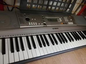 Vendo Organeta con Amplificador
