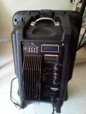 Cabina de sonido, microfono OLG, microfono crystal, piaña y