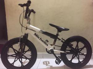 Se vende bicicleta para niño Michelin