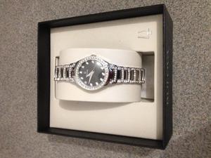 Reloj Bulova Para Mujer Ref. 96l170 y 96T14 Plateado c/u