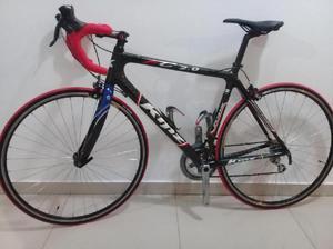 Bicicleta De Ruta O Carrera Marca Kmz En Carbono - Villa del