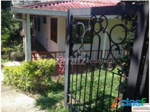Venta casa campestre conjunto cerrado via Tebaida.