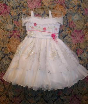 VENDO vestido de bautizo talla 2, precio