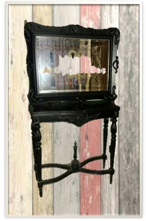 Marco de espejo enchapado en cuerno en un posot class for Espejo marco wengue