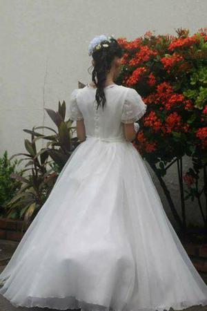 se vende hermoso vestido de primera comunión