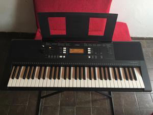 Organeta Yamaha PSR E343 con Base y Estuche Semiduro