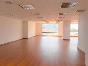 Cod. ABJCC57951 Oficina En Arriendo En Bogota Santa Barbara