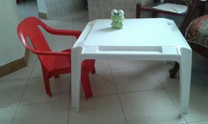Mesa y silla para niños Escritorio