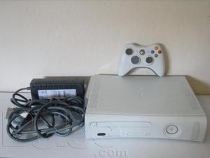 xbox 360 arcade con 28 juegos grabados